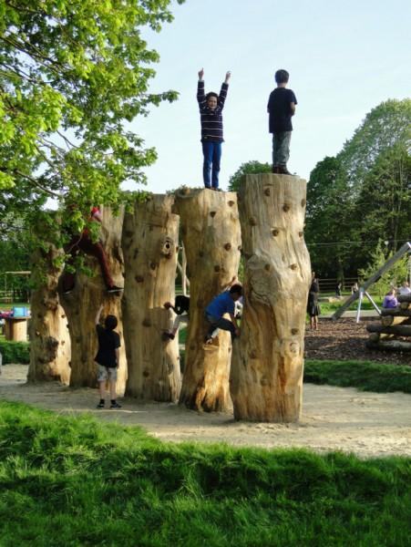 Plac zabaw na pastwiskach dinton w wielkiej brytanii for Davies landscape architects